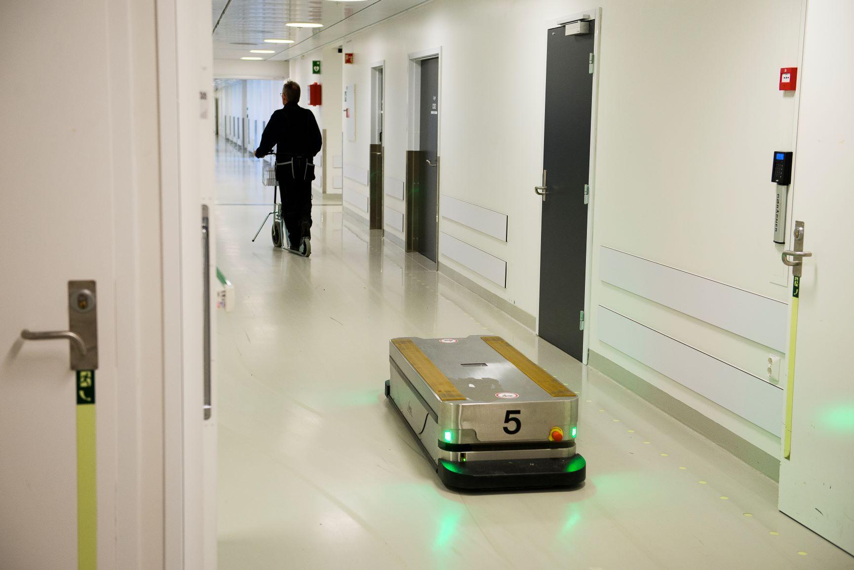 Sykehusorganisering bør ta utgangspunkt i behovene der tjenestene utformes, i møtene mellom sykehusenhetene og pasientene - Christian Grimsgaard - helseforetak - Samfunn og økonomi 2/2021 - utkast til ny organisering av sykehusene