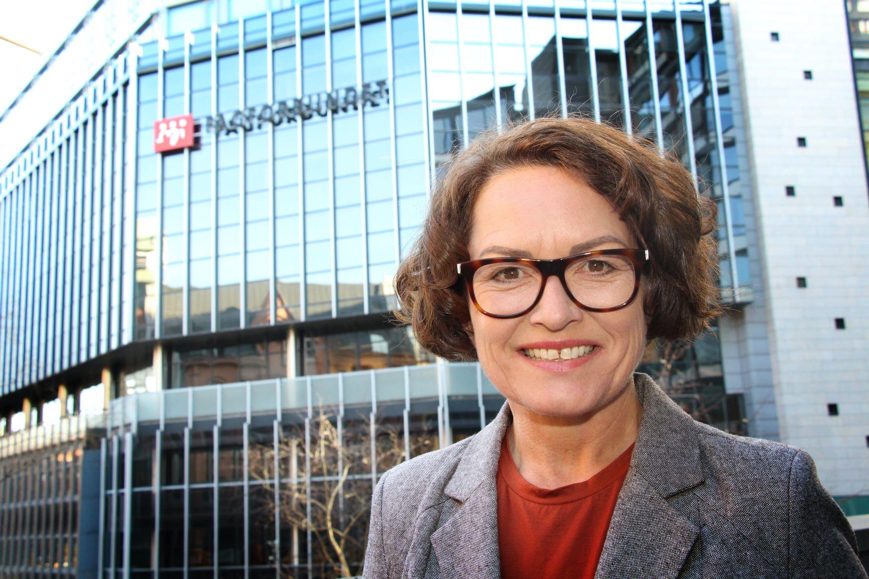 Sissel Skogheug er nestleder i Fagforbundet. Fagforbundet mener det er nødvendig med sentrale endringer som beveger styringen av sykehusene bort fra tankegodset knyttet til New Public Management.